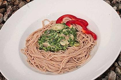 Pasta mit Champignon-Spinat-Käse-Sauce 10