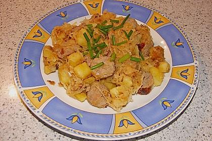 Kartoffel-Bratwurst Pfanne mit Sauerkraut 2