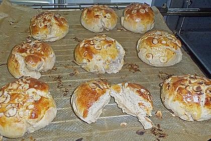 Finnische kleine süße Brötchen (Pikkupullat) 35