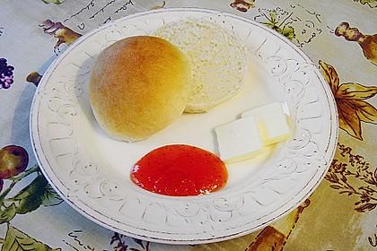 Finnische kleine süße Brötchen (Pikkupullat) 10