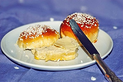 Finnische kleine süße Brötchen (Pikkupullat) 1
