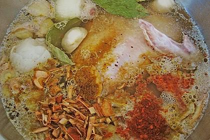 Goldgelbe Hühnersuppe 17