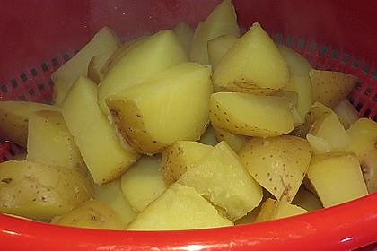 Kabeljau auf Wurzelgemüse mit Bouillon - Kartoffeln