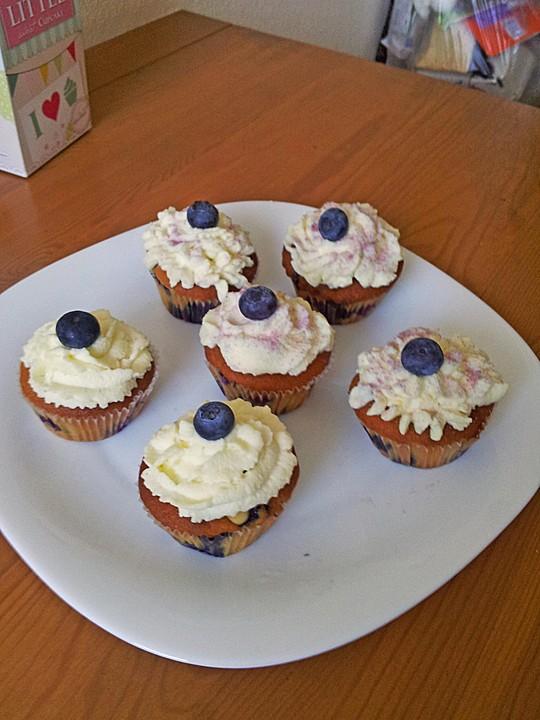 blaubeer cupcakes mit sahnefrosting rezept mit bild. Black Bedroom Furniture Sets. Home Design Ideas