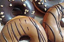 Amerikanische Donuts mit Apfelglasur