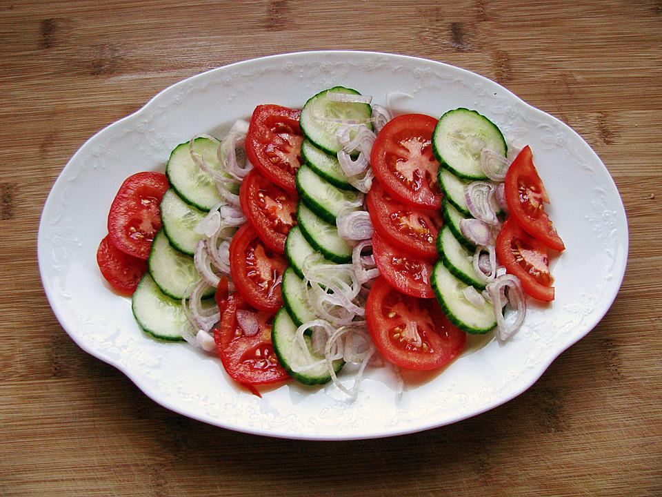 gurken tomaten salat mit rauke rezept mit bild von saturnia. Black Bedroom Furniture Sets. Home Design Ideas