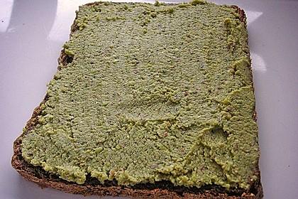 Walnuss-Cashew-Basilikum Pesto 2