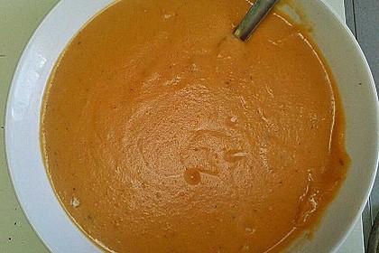 Cremige Kürbissuppe mit Äpfeln, Karotten und Kartoffeln 24
