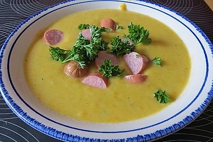Cremige Kürbissuppe mit Äpfeln, Karotten und Kartoffeln 3