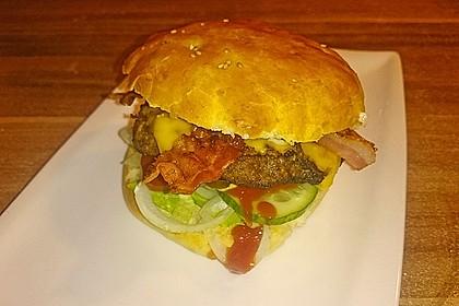 Amerikanische Bier-Hamburger im Hamburgerbrötchen 10