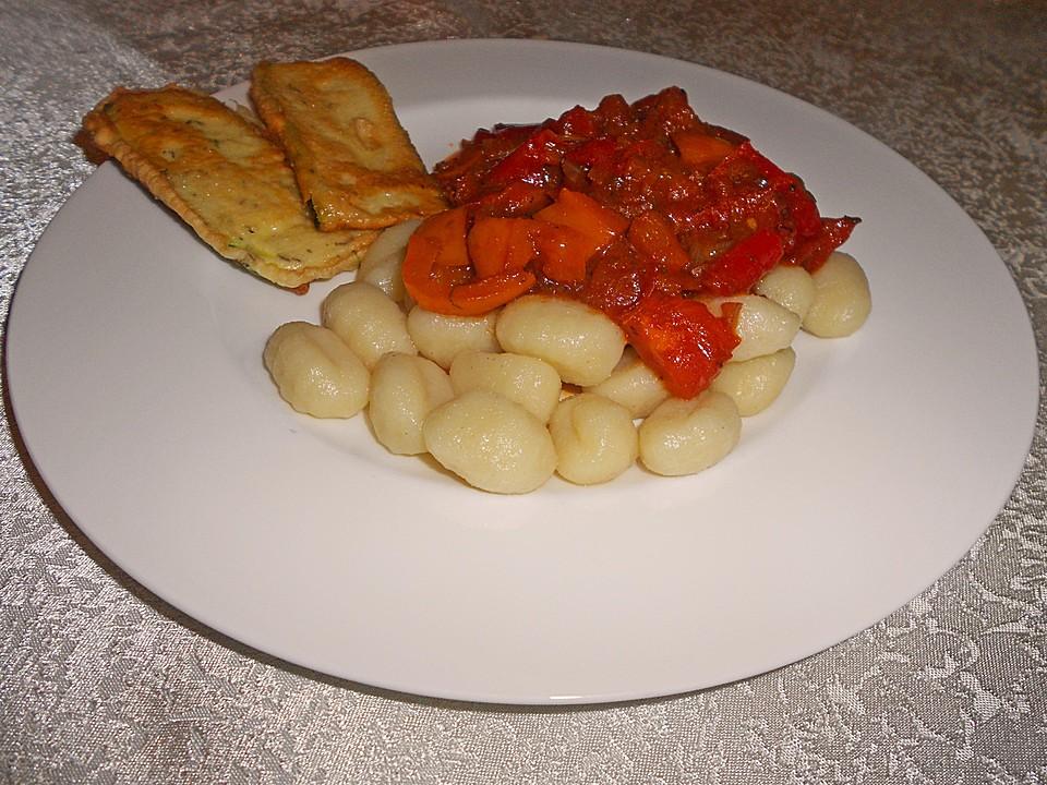 gnocchi an tomaten paprika gem se mit zucchini im ausbackteig von kaliorexi. Black Bedroom Furniture Sets. Home Design Ideas