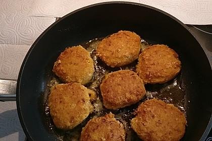 Couscous-Bratlinge mit Käse 17