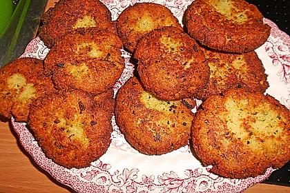 Couscous-Bratlinge mit Käse 35