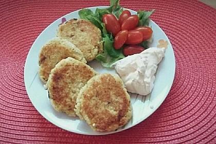 Couscous-Bratlinge mit Käse 46