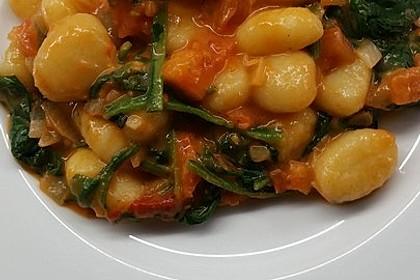 Gnocchi mit Tomaten und Blattspinat 2