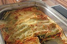 Spinat-Lasagne mit dreierlei Soßen