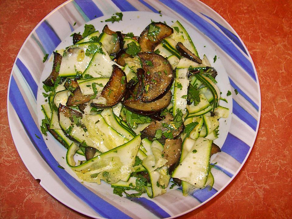 auberginen zucchini salat rezept mit bild von riga53. Black Bedroom Furniture Sets. Home Design Ideas