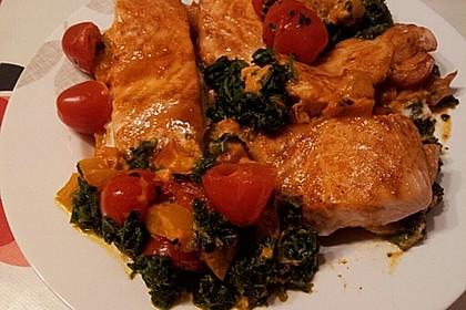 Süß-scharfer Lachs auf Spinat mit Sahnesauce und Honigkruste 14