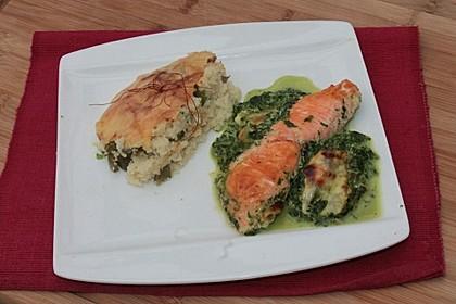 Süß-scharfer Lachs auf Spinat mit Sahnesauce und Honigkruste 18