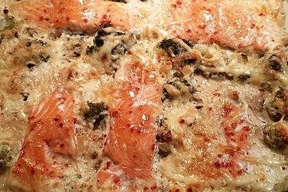 Süß-scharfer Lachs auf Spinat mit Sahnesauce und Honigkruste 34