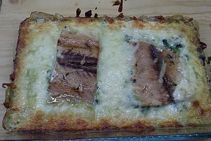 Süß-scharfer Lachs auf Spinat mit Sahnesauce und Honigkruste 45