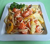 Linguine mit Zucchini und Möhren in Basilikumsahne (Bild)