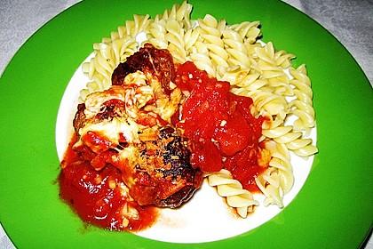 Gratinierte Mozzarella-Hackbällchen in Tomatensoße 2