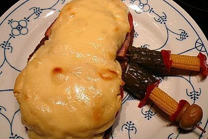 Fleischkäse auf Graubrot mit Senfhaube 5
