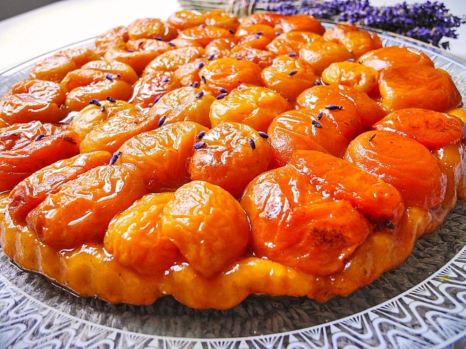tarte tatin aux abricots et lavande rezept mit bild. Black Bedroom Furniture Sets. Home Design Ideas