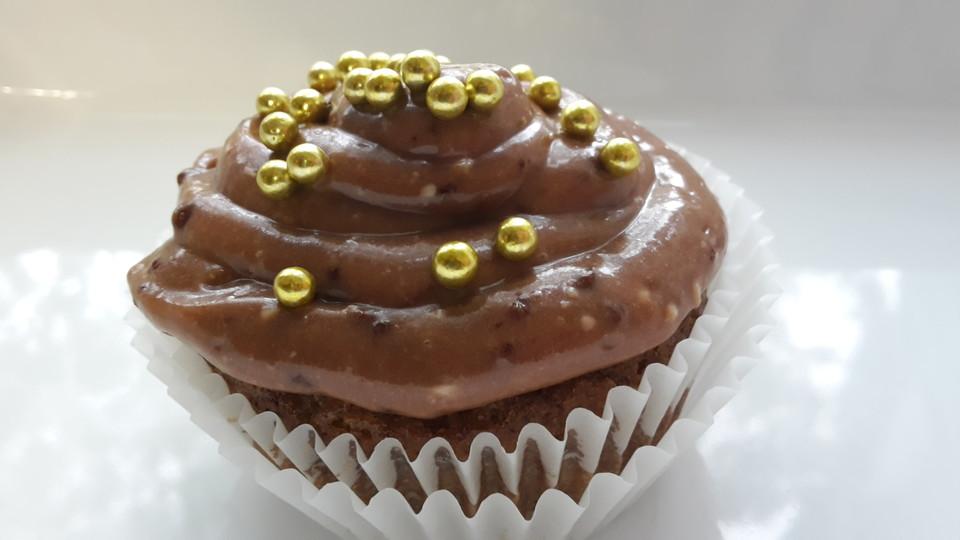 bananen cupcakes mit ovomaltine frosting rezept mit bild. Black Bedroom Furniture Sets. Home Design Ideas