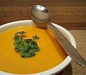 Kürbis-Möhren-Kartoffel-Suppe