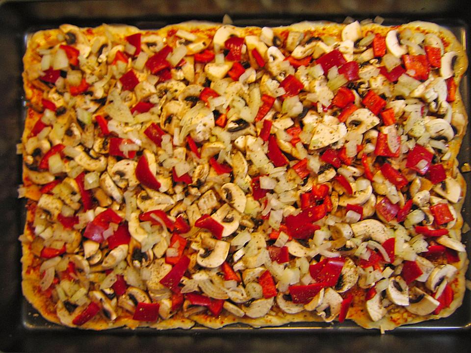 pizza knoblauch champignon paprika vegan von healing21. Black Bedroom Furniture Sets. Home Design Ideas