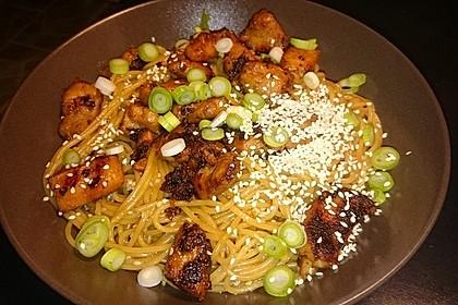 Funky chicken (Irres Hühnchen) mit Sesam-Nudeln 2