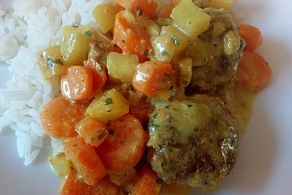 Hackbällchen in Möhren-Currysoße 28