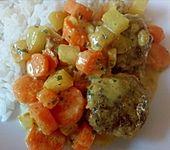 Hackbällchen in Möhren-Currysoße (Bild)