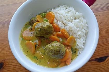 Hackbällchen in Möhren-Currysoße 7