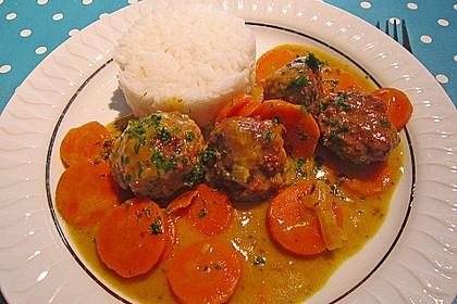 Hackbällchen in Möhren-Currysoße 2