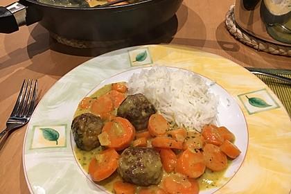 Hackbällchen in Möhren-Currysoße 8