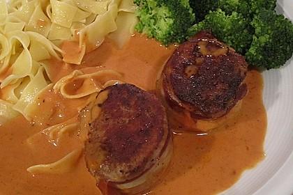 Schweinefilets mit Bacon und Tomatensahnesoße überbacken 8
