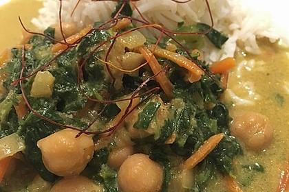 Veganes Kichererbsen-Curry mit Spinat und Möhre 15
