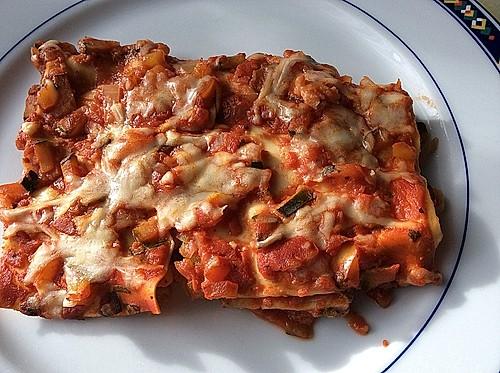 vegetarische lasagne mit paprika und zucchini rezept mit bild. Black Bedroom Furniture Sets. Home Design Ideas