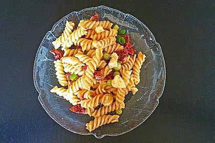 Nudelsalat mit Pesto Rosso
