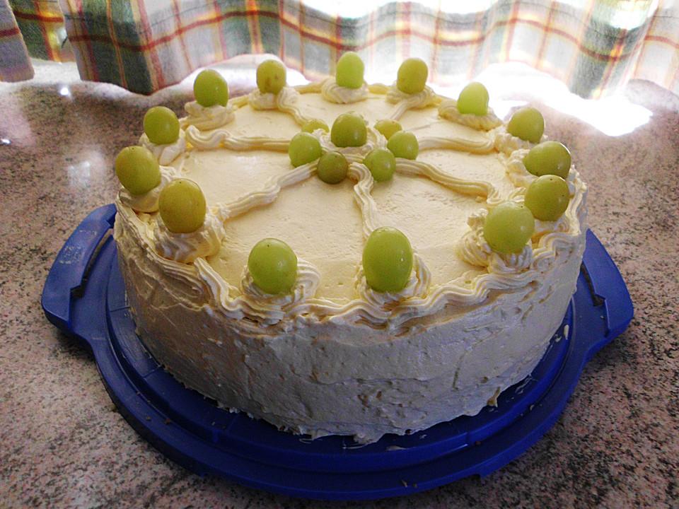 Kuchen mit mascarpone und weintrauben
