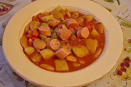 Bohneneintopf mit Würstchen und Kartoffeln 4