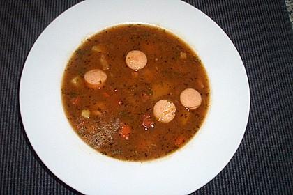 Bohneneintopf mit Würstchen und Kartoffeln 11