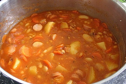 Bohneneintopf mit Würstchen und Kartoffeln 6