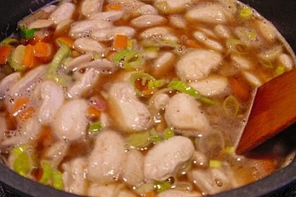 Bohneneintopf mit Würstchen und Kartoffeln 12