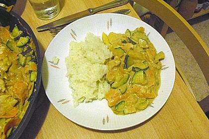 Indische Süßkartoffel-Zucchini-Hähnchen-Pfanne 5