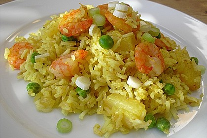 Curry-Bratreis mit Ananas, Erbsen und Garnelen 2