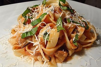 tomaten sahne sauce mit aubergine f r pasta vegetarisch rezept mit bild. Black Bedroom Furniture Sets. Home Design Ideas